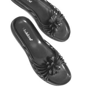 Comfortable Strappy Black Sandals